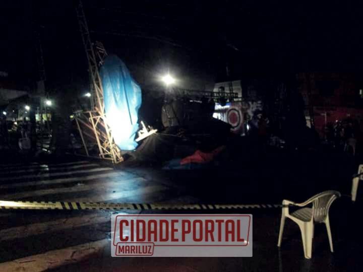 Palco desaba durante apresentação artística em Mariluz, deixando pessoas feridas