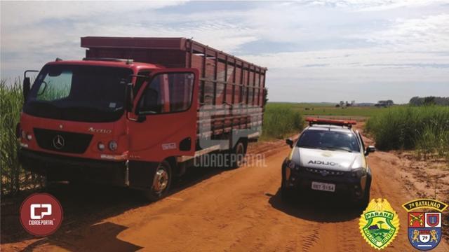Polícia Militar recupera em Cruzeiro do Oeste, caminhão que foi roubado em Maria Helena
