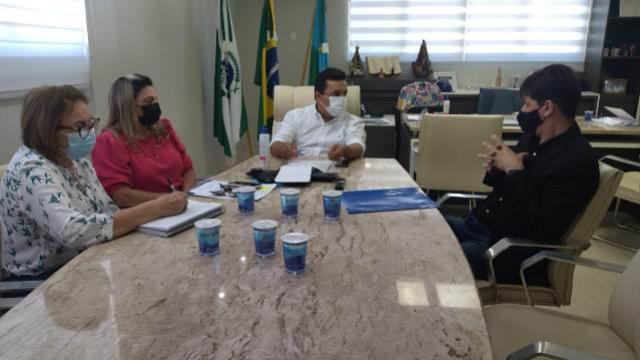 Prefeitura de Goioerê e Depen Paraná firmam convênio para reinserção de reclusos no mercado de trabalho