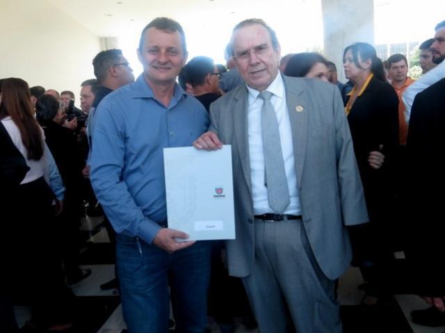 Prefeito assina convênio e Goioerê receberá mais veículo destinado para secretária de agricultura
