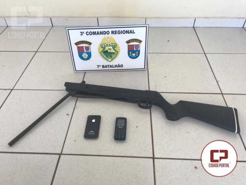 Policiais Militares de Moreira Sales apreendem uma espingarda adaptada e celulares produto de furto