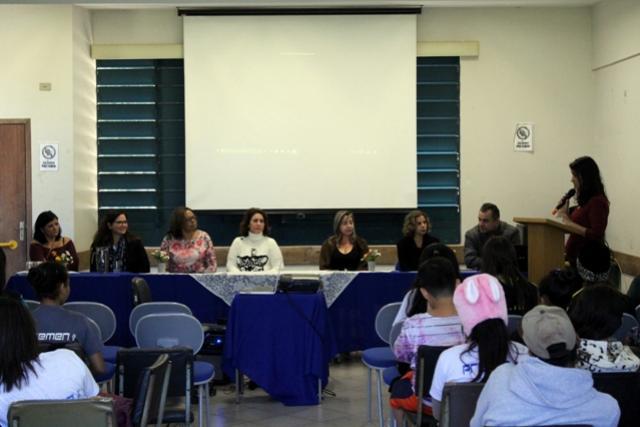 Palestra sobre empreendedorismo foi realizada no Colégio Estadual Antônio Lacerda Braga