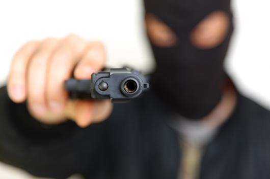 Três assaltantes rende Família durante assalto em Goioerê, levaram objetos e veículos