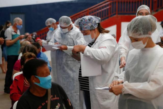 Mais de 2 milhões estão completamente imunizados no Paraná contra Covid-19