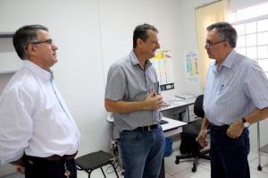 Prefeito Pedro Coelho visita ações e obras públicas no distrito de Jaracatiá