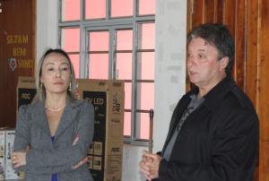 Prefeitura Municipal de Quarto Centenário entrega novos equipamentos para escola e creches.