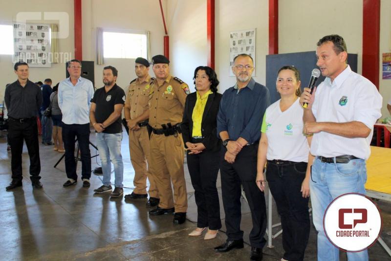Paraná Cidadão realiza centenas de atendimentos, tivemos a visita deputado Artagão Junior