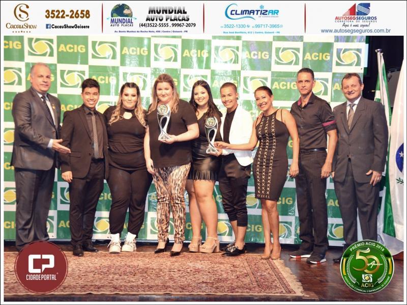 Kamaleoa e Karla Rosseto recebem prêmio Acig Melhores do Ano 2018