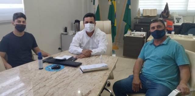 Betinho Lima recebe a visita dos empresários Joacir e João Vitor para anunciar investimentos