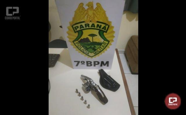 Uma pessoa foi detida portando ilegalmente um revólver na cidade de Tapira