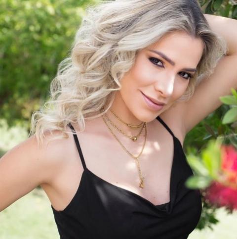 Adriana Sant'Anna está morena de novo em tom bem popular: saiba a cor exata