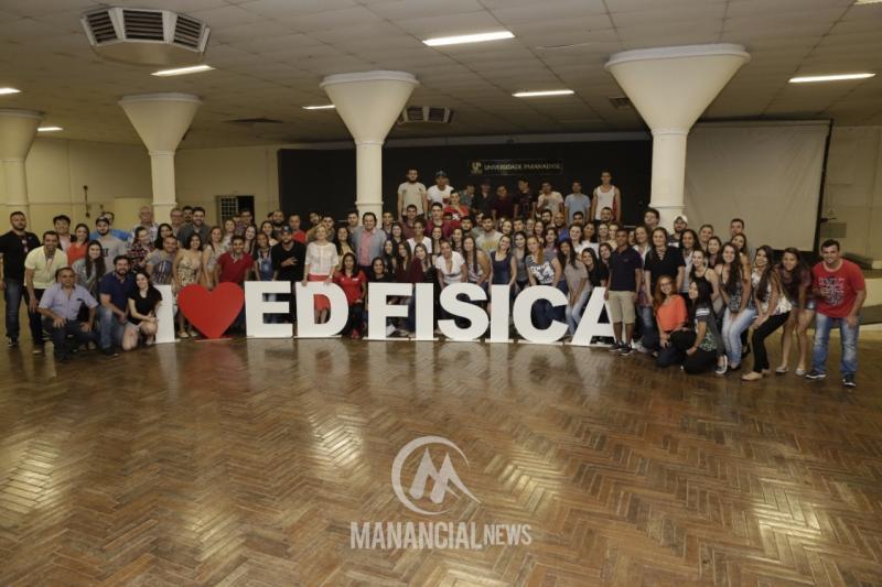 Edina Alves fala sobre sua trajetória de sucesso durante palestra na Unipar