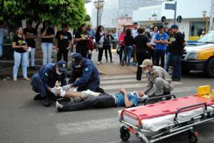 Simulação de acidente em conscientização ao Maio Amarelo em Goioerê