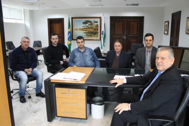 Prefeito Reinaldo Krachinski se reúne com o Chefe da Casa Civil Sperafico