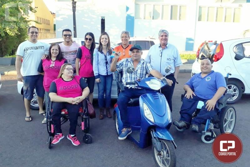 Vereador Agilson Flausino parabeniza entidades que foram beneficiadas com veículos 0 km