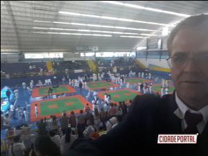 Atletas da Academia Águas Claras de Goioerê conquistam 13 Medalhas na Copa Brasil de Karatê em São José dos Campos