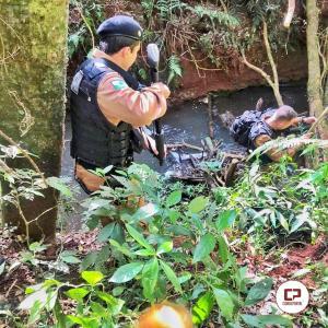 Após perseguição policial cinco pessoas são presas em Mamborê e veículo roubado é recuperado