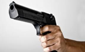 Três indivíduos roubam celulares, dinheiro, documentos e veículo em Rancho Alegre do Oeste