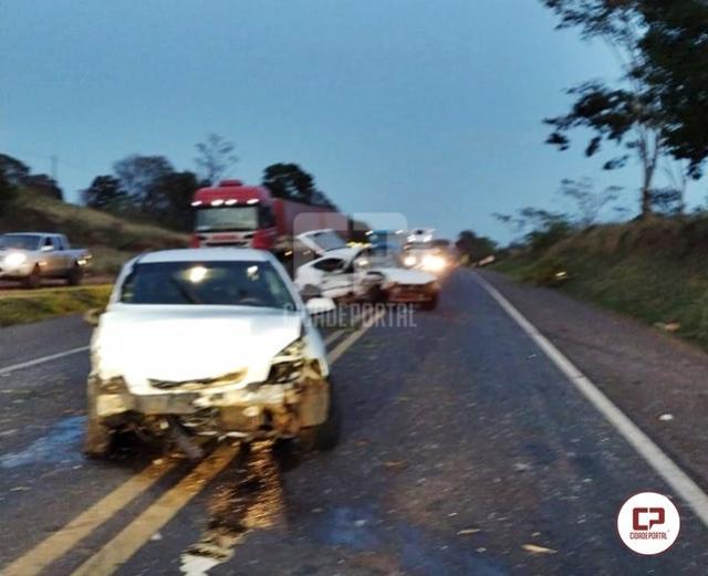Acidente na PR-323 em Cruzeiro do Oeste deixa 3 pessoas feridas