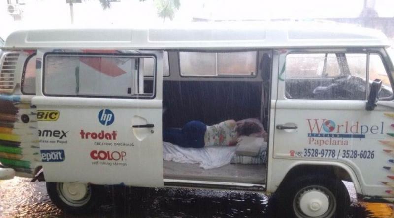 Dentro de Kombi, empresária é assassinada com tiro na cabeça