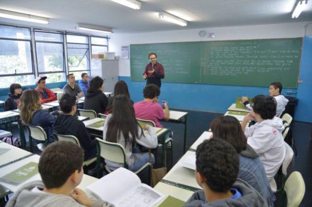 Pesquisadores mostram desafios no ensino de inglês
