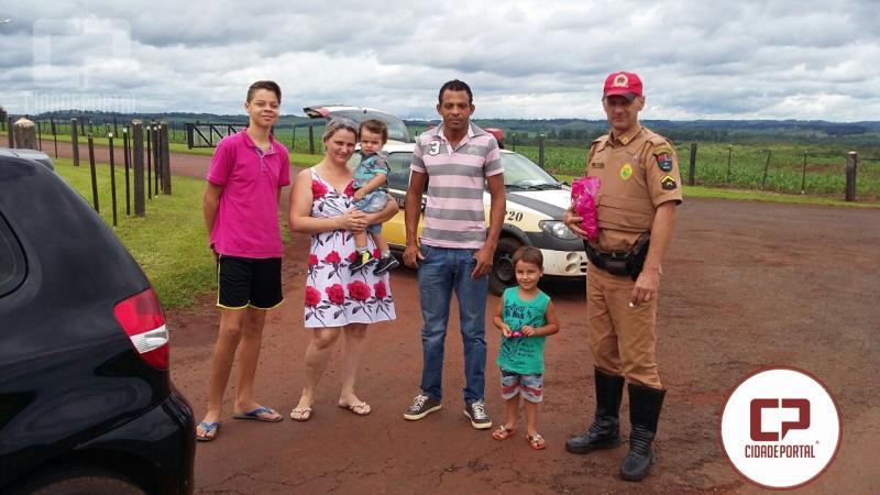 Posto Policial Rodoviário de Santa Helena realiza atividade alusiva à Páscoa